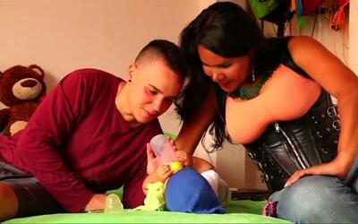 Padre transgénero da a luz un hijo concebido de modo natural