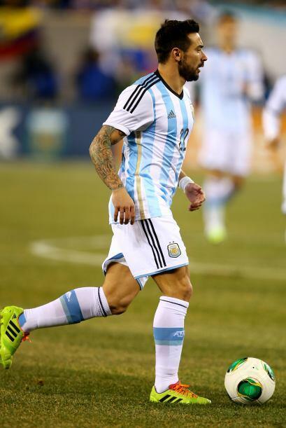 El futbolista argentino se empezó a tatuar desde que era niño.