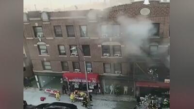Voraz incendio en un edificio de Brooklyn cobra la vida de una persona y deja seis heridos