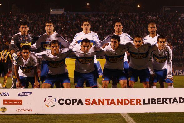 La Universidad Católica: Descendió en dos ocasiones en el fútbol chileno...