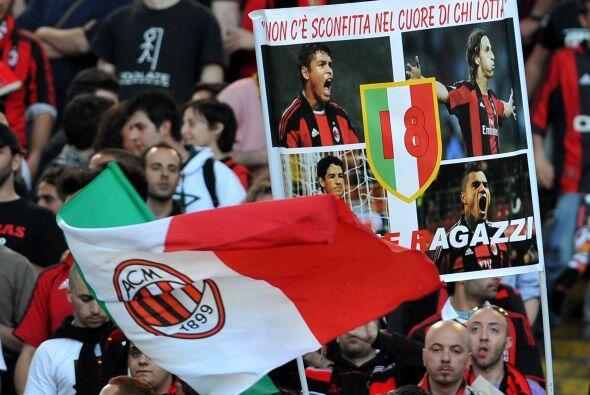 El Milan enfrentó a la Roma en un partido clásico del fútbol italiano.