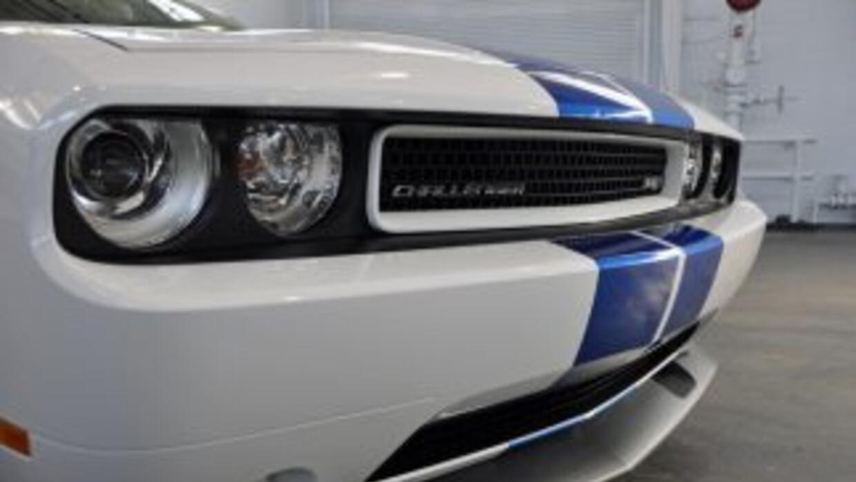 Dodge construyó 1,492 unidades del Challenger SRT8 392 Inaugural Edition...