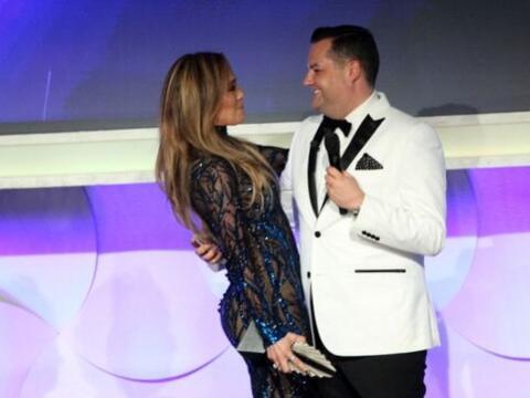 En la vigésimo quinta entrega de los premios GLAAD, hubo un premi...