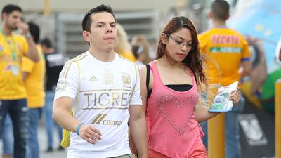 En fotos: Los fanáticos de Tigres esperan por el regreso de Gignac