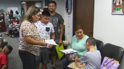 Cientos de nuevos estudiantes se incorporan por primera vez al Distrito Escolar de Dallas