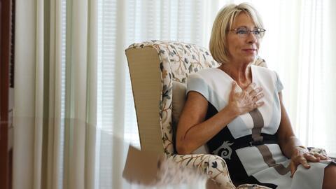 Betsy Devos ha estado ocupada promoviendo una agenda de educación...
