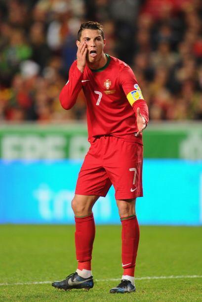Como ves, las caras de Cristiano también juegan al fútbol.