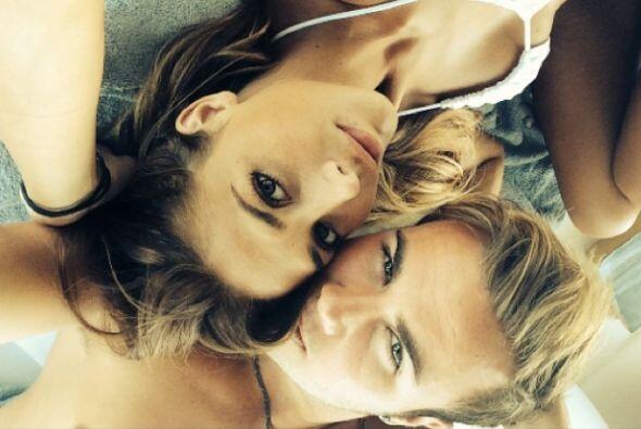 Mario Gotze se fue a descansar con su hermosa novia  Ann-Kathrin Brommel...