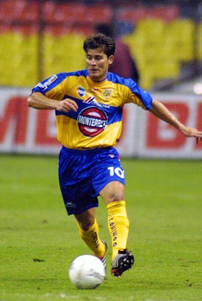 En ese mismo año pasó a Tigres donde estaría cuatro temporadas y aunque...
