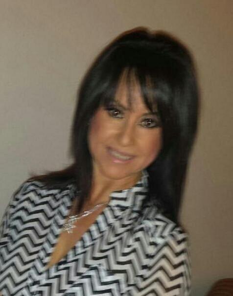 @lachelomango: Tengo felizmente casi 52 años de joven #YoSoyTona