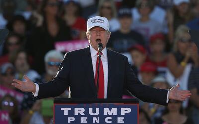 El republicano Donald Trump durante un evento de campaña en Flori...