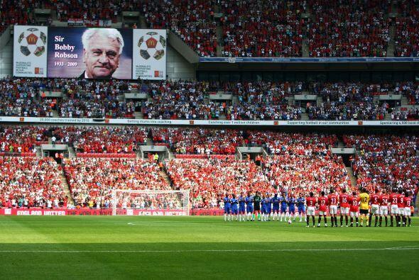 El tercer puesto es para un equipo inglés, el Old Trafford, cancha del M...