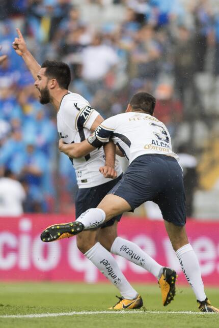 ¡Masacre en la Corregidora! Cruz Azul aplastó a Pumas gol-luis-quintana-...