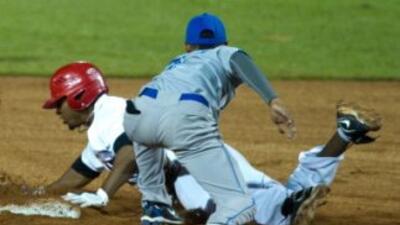 República Dominicana aprovechó y aplastó 16-1 a Nicaragua.
