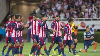 Chivas sufrió pero al final celebró contra Correcaminos en la Copa MX