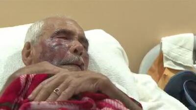 Comparece en corte la mujer acusada de golpear con un ladrillo a un anciano