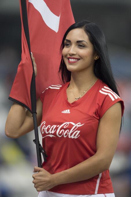 La belleza de las porristas en la ida de las semifinales del Apertura 20...