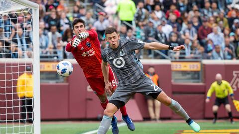 Christian Ramírez, Andrew Tarbell Minnesota United v Quakes