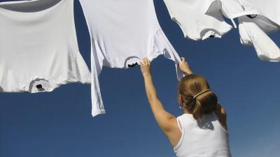 Toma nota de estos sencillos 'tips' y mantén tus prendas súper relucient...