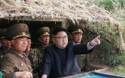 El líder nocoreano Kim Jong Un parace estar confiado en el nivel...