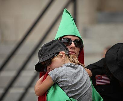 ProtegidosEl Ku Klux Klan tiene el derecho a expresar sus creencias en l...
