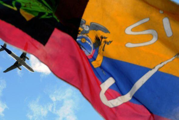 2008:  La nueva Constitución de corte socialista, impulsada por Correa,...