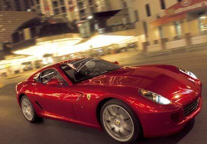 El 599 ofrece excelente rigidez torsional gracias al bastidor y carrocer...