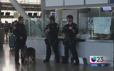 Redoblan vigilancia en aeropuertos texanos