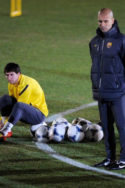 Josep Guardiola no paraba de poner atención a lo que hacían sus jugadores.