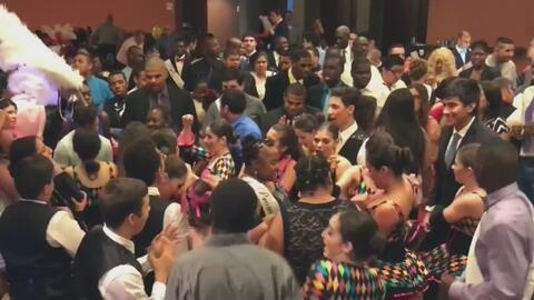 Estudiantes con autismo disfrutan de su fiesta de graduación en Miami-Dade
