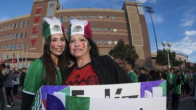 La fiesta de los mexicanos en el partido contra Islandia