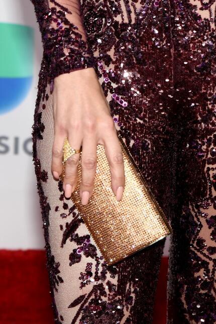 La diferencia está en los detalles: joyas, bolsos y accesorios de alfomb...