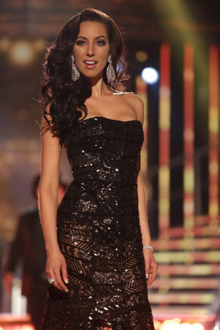 El cantante mexicano trajo la alegría y puso a bailar a las finalistas c...