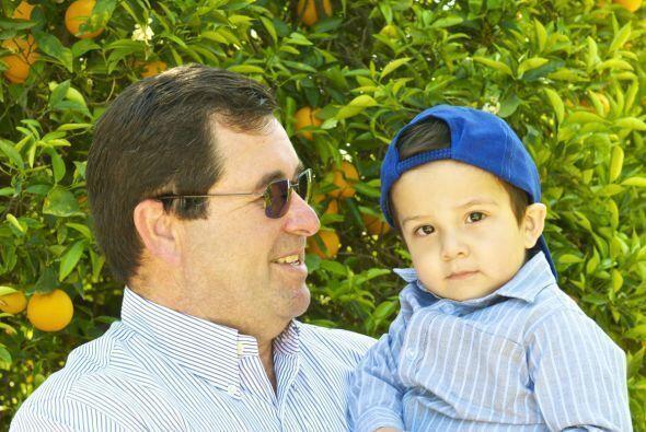 Este es Jorge Herrera, padre de los hermanos Herrera un grupo musical co...