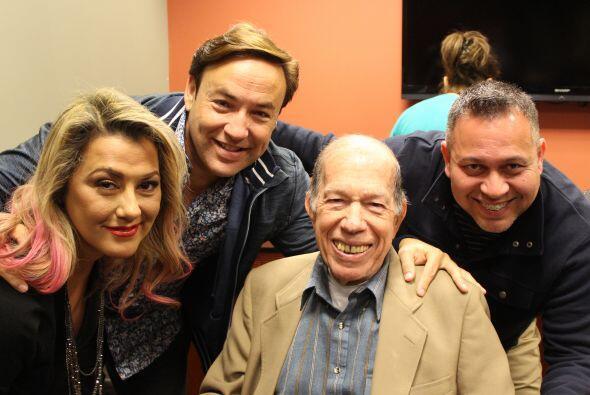 Luisa Fernanda, personalidad, Mix 98.3 FM; Javier Romero, personalidad,...