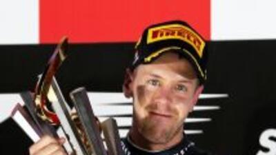 Vettel se impuso en Singapur dejando a Alonso, una vez más, en el segund...