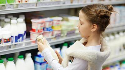Cada vez consumimos menos leche de vaca entera. ¿Hacemos bien?