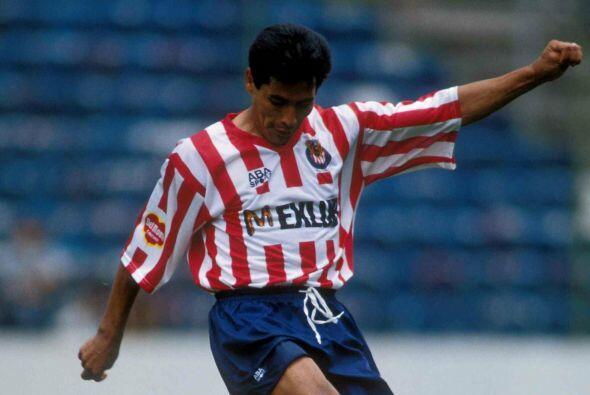 Benjamín Galindo, el 'Maestro' vistió las dos playeras en su carrera pro...