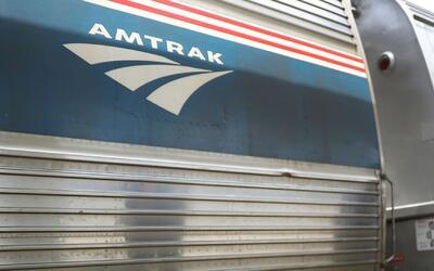 Mejoran las condiciones de salud del empleado de Amtrak baleado en la es...