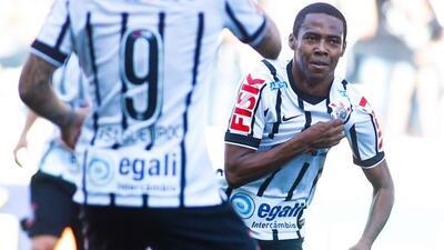 El plantel del Corinthians sufrió en el vuelo de regreso Colombia a Brasil.