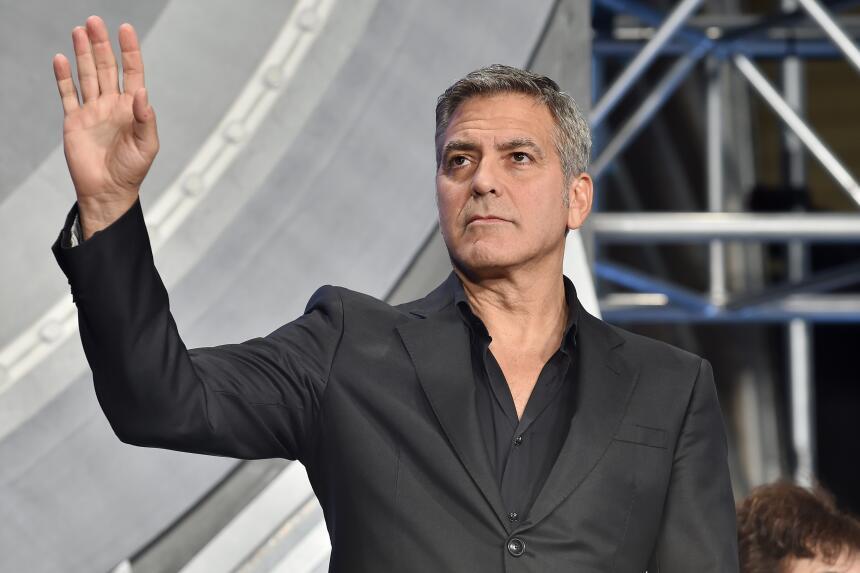 Clooney presentó su película con Disney, 'Tomorrowland', con gran éxito...