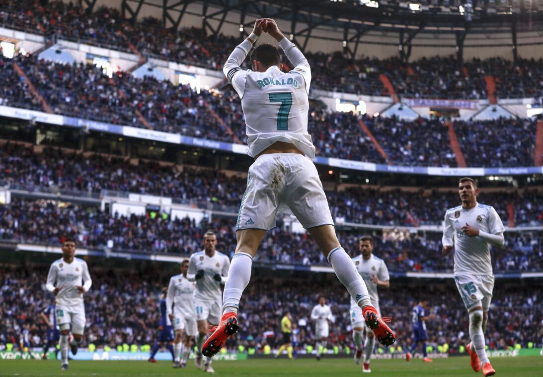 Real Madrid venció 4-0 al Alavés y sigue su camino en ascenso en 2018 ge...
