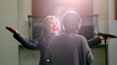 Hillary Clinton en acto de campaña en California el viernes 6 de mayo