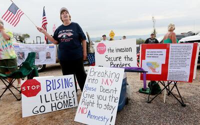 Una concentración en contra de la inmigración ilegal.