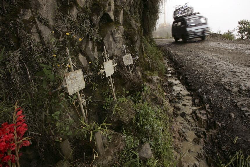 Las cinco carreteras más peligrosas del mundo GettyImages-56481326.jpg