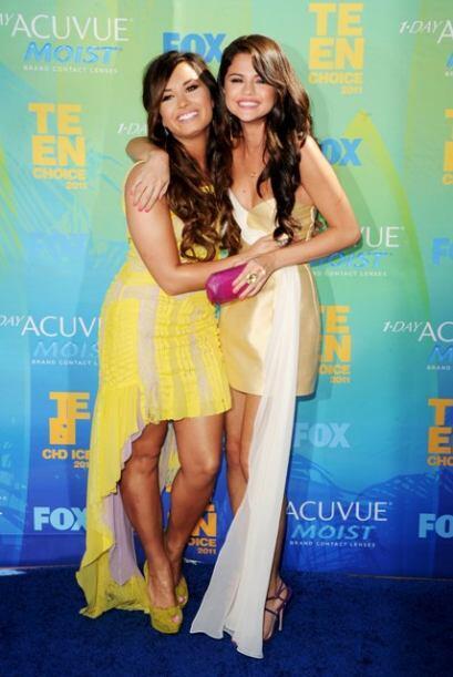 La mejor amiga de Selena Gomez se ve radiante y muy feliz y lista para d...