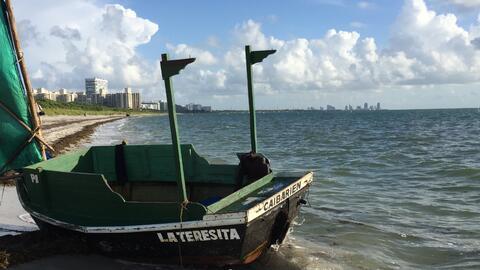 Los cinco cubanos llegaron el martes en la mañana en una embarcación de...