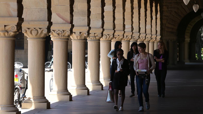 La Universidad de Stanford tiene uno de los índices de admisión más bajo...