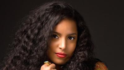 Glenda del E es una pianista y cantautora cubana.