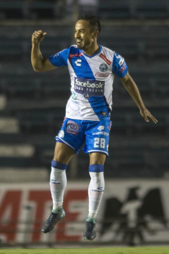 Mediocampista: Francisco Torres (Club Puebla) - dos goles y 43 pases cor...